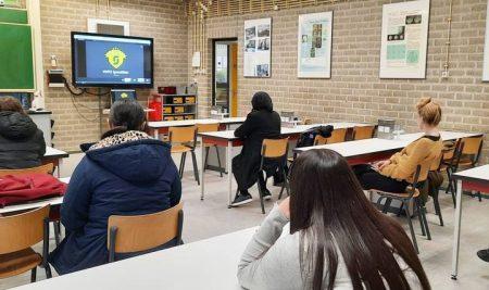 Speeddaten met vrouwelijke professionals uit de techniek  Gister werd er voor de meiden met het keuzevak TechMavo een speeddate georganiseerd in samenwerking met VHTO.